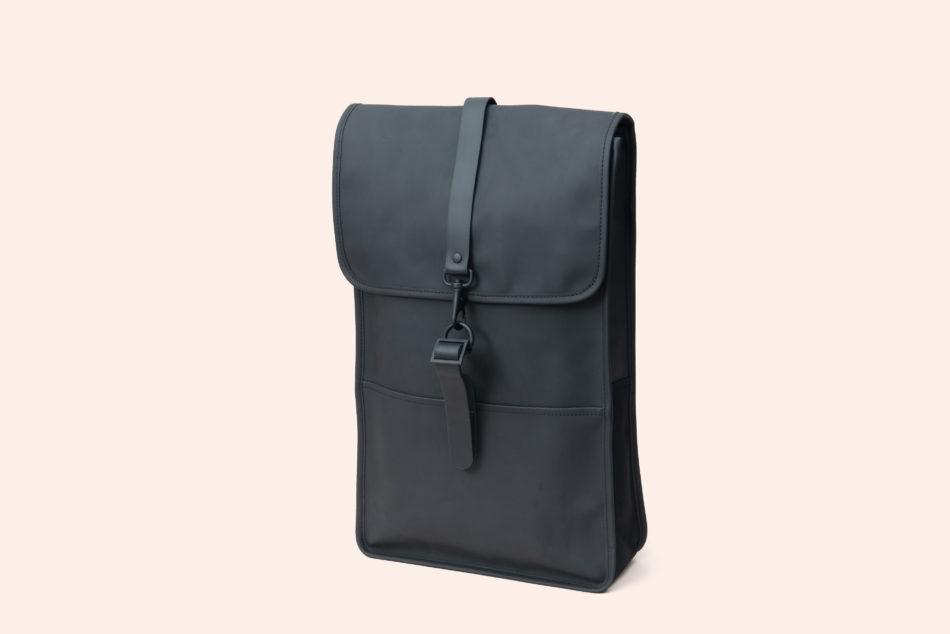 thu_rains_backpack_black_01