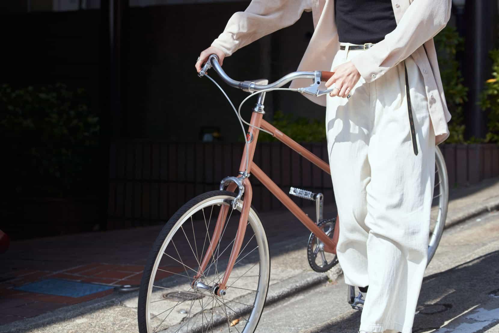 tokyobikeLEGER新発売ベージュレッドモデルイメージカット