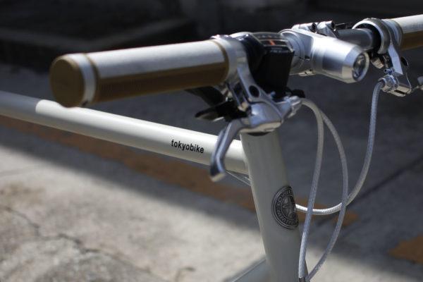 春 自転車通勤 クロスバイク